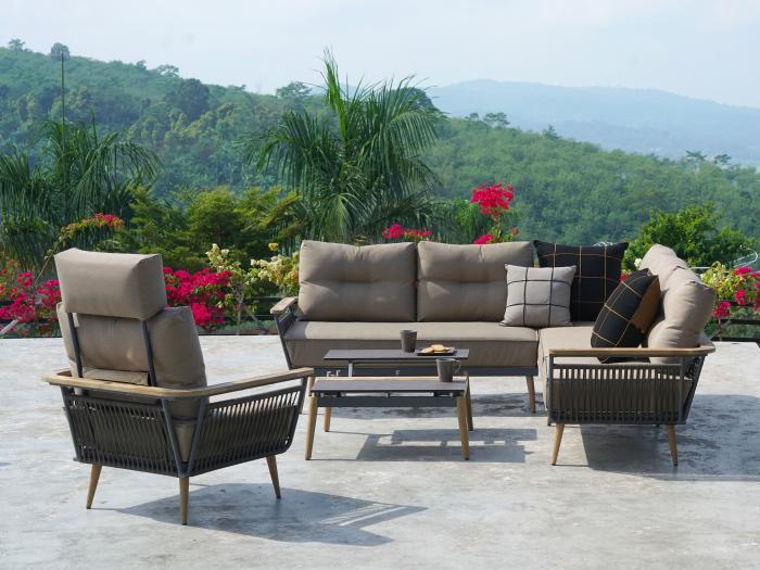 Gartenmöbel-Set Flix Lounge. Die Zierkissen, die Kopfstütze sowie die Dekoration gehören nicht zum Lieferumfang.